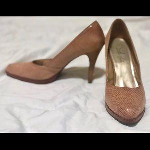 Shoes - Tan snakeskin high heels sz 13